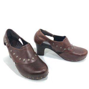 Dansko Ryder Reddish Brown Distressed Leather Clog